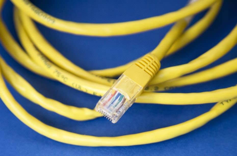 有線LANケーブルの規格は1000BESEを選ぶ