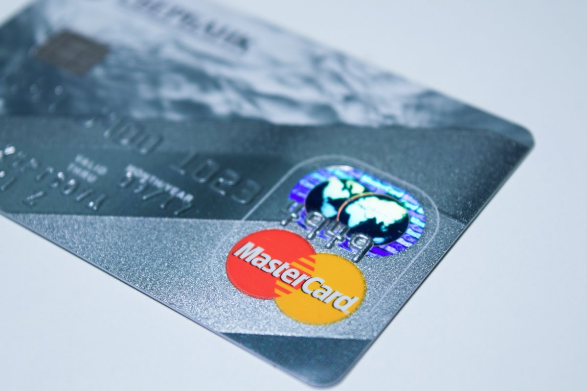 クレジットカードをiPhoneに登録してApplePay(アップルペイ)を使う