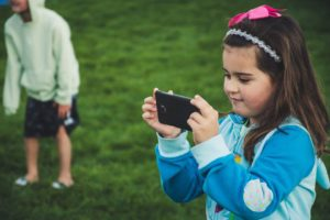 子供のiPhoneを管理・制限するなら【スクリーンタイム】で更に強化できる