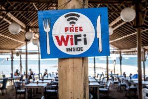 フリー(無料)WiFiに簡単に接続できる最強アプリ「タウンWiFi」