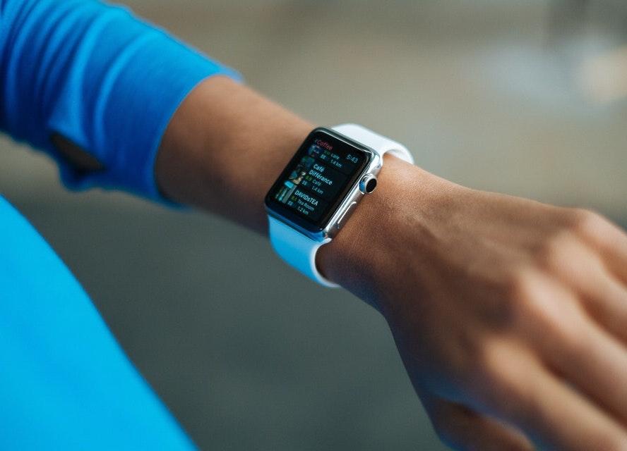 Apple Watchのバンドは純正以外がおすすめ!めちゃ安いのに質感が高い