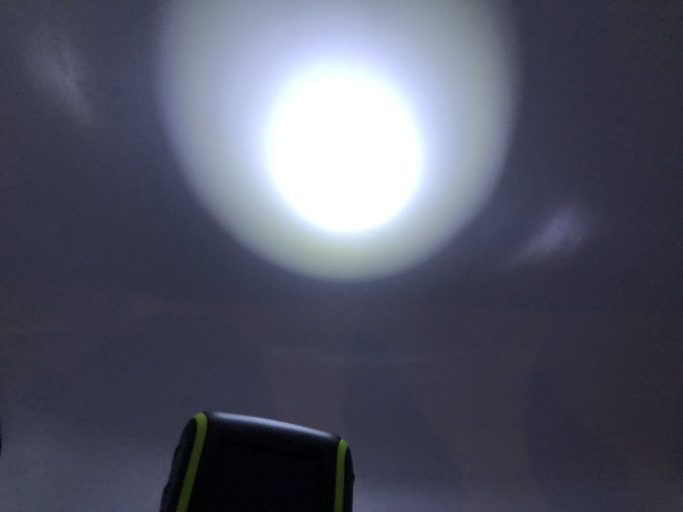LEDライトは明るい