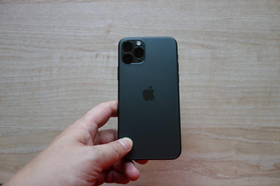 iPhone11 Proのミッドナイトグリーン