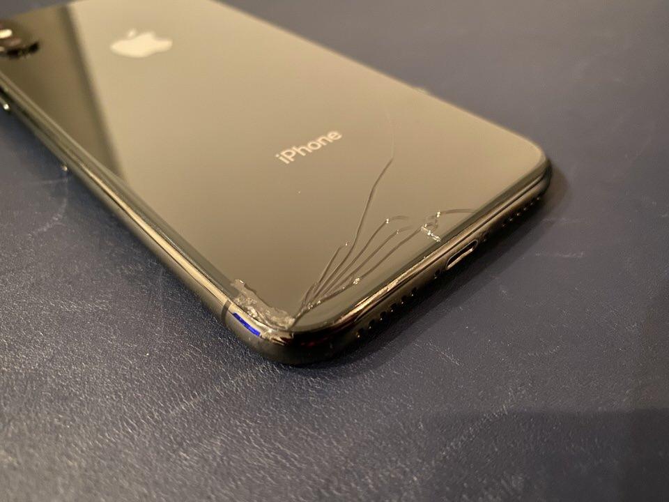 iPhoneが割れてしまった場合のアップルケアの交換