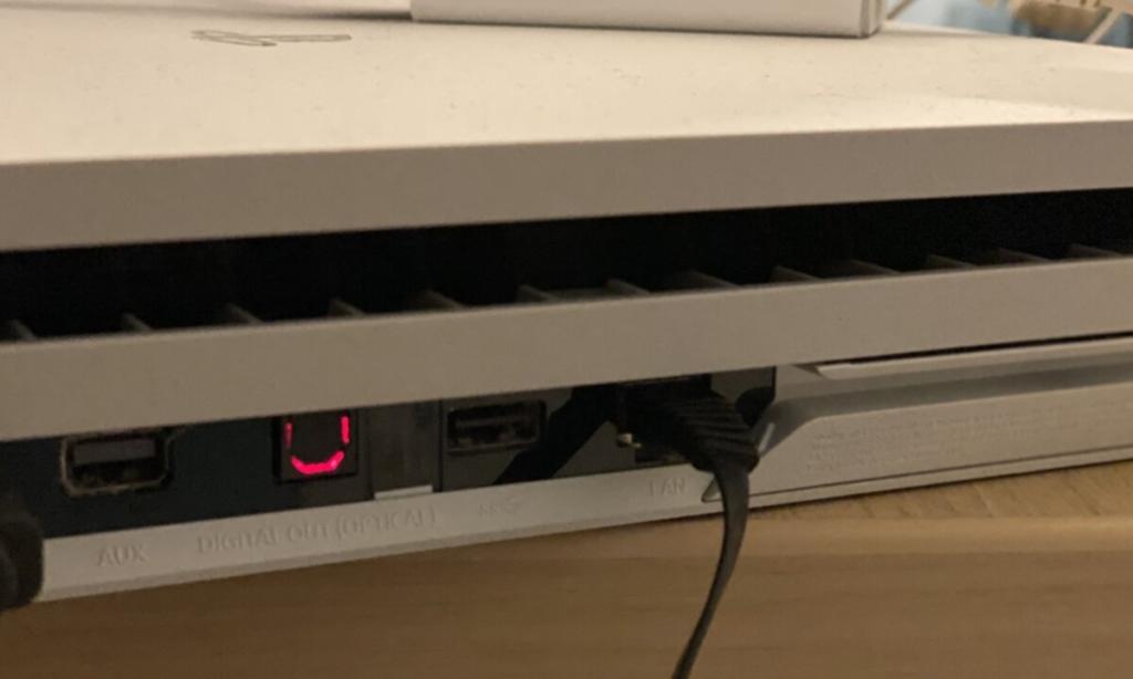 光回線(NURO光)の有線LAN接続でフォートナイトをプレイ